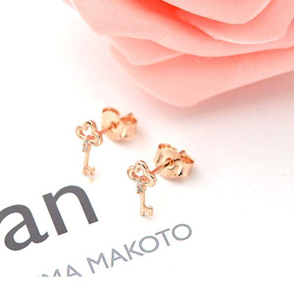 金钥匙耳环